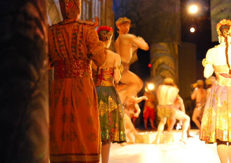 LA BAYADÈRE, Paris Opera Ballet Tour, Queensland Performing Arts Centre 2009, ©Sally Blackwood
