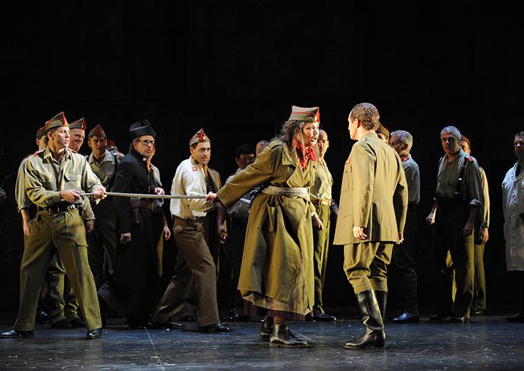 IL TROVATORE, Opera Australia ©Branco Gaica