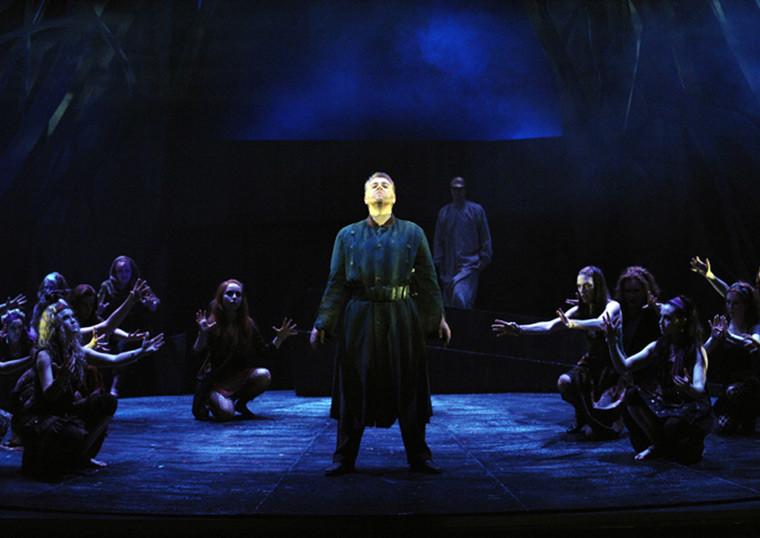 MACBETH, Opera Australia, ©Branco Gaica