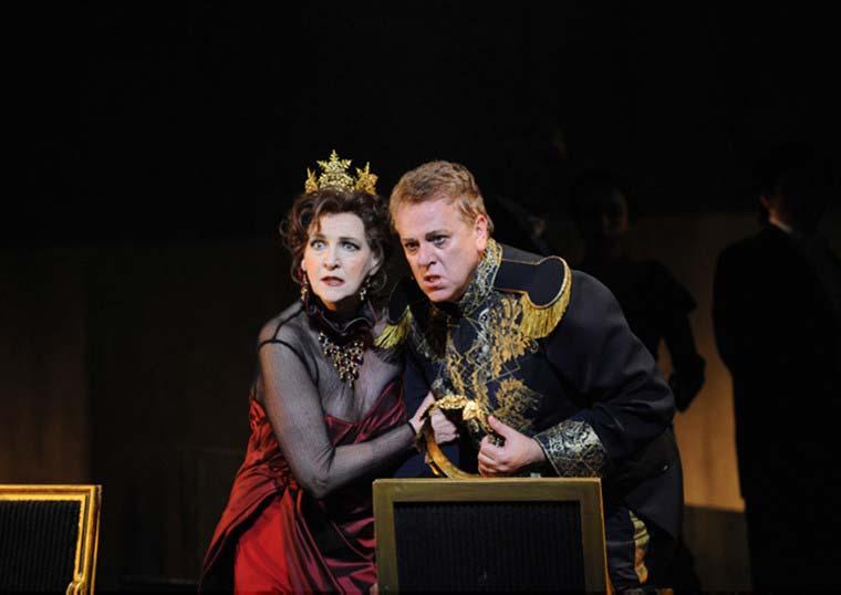 MACBETH, Opera Australia ©Branco Gaica